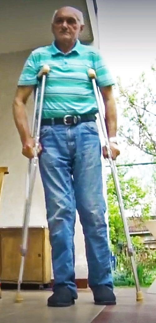 Františkovi operovali zdravé koleno.