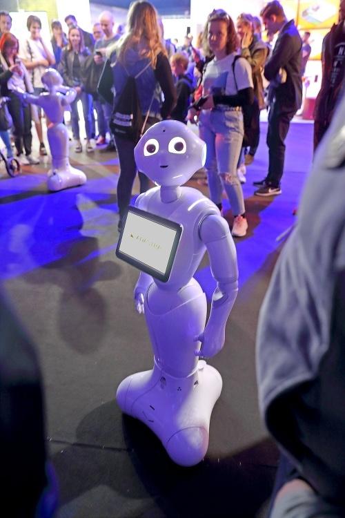 Humanoidný robot sa s