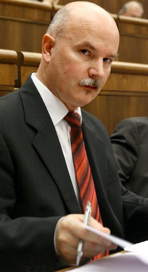 Marián Janušek (56).