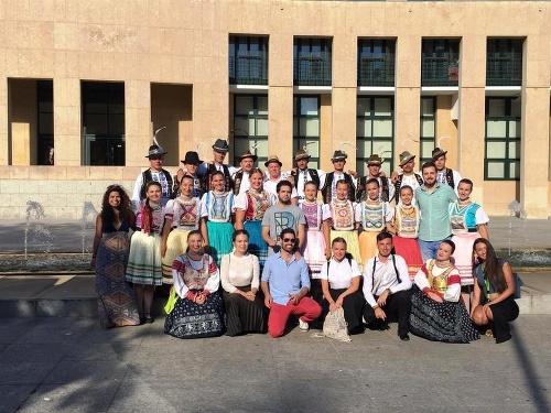 Členovia Folklórneho súboru Hornád
