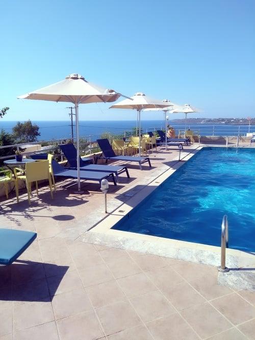 Takto vyzeral hotelový bazén.