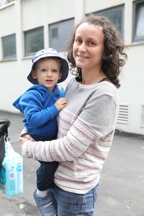 Andrea (33),  materská