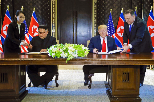 Kim pri podpise dohody