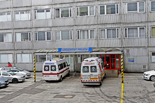 Pacienta previezli do nemocnice