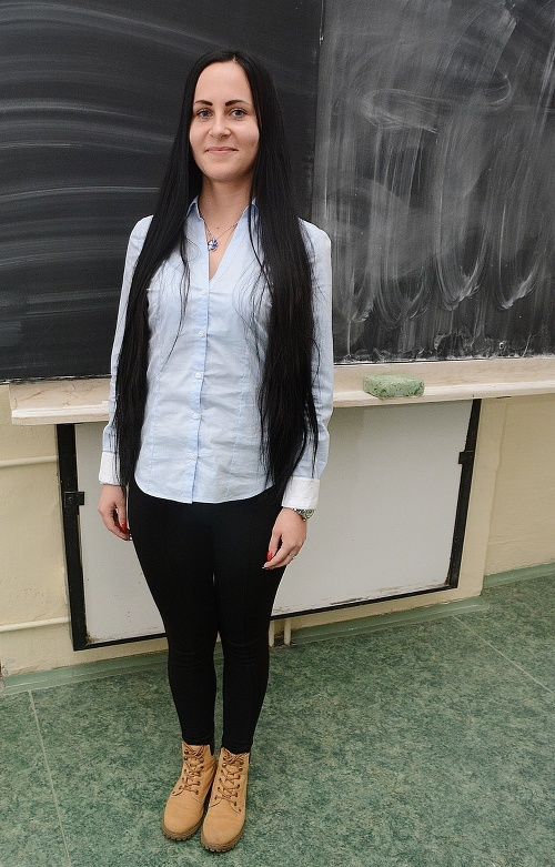 Adriána Pusztaiová (19), letuška.
