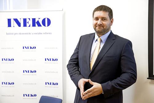 Dušan Zachar, analytik INEKO.