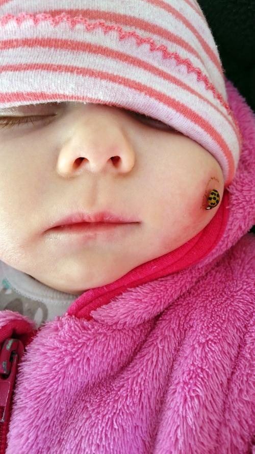 Trojmesačná Dianka tíško spala,