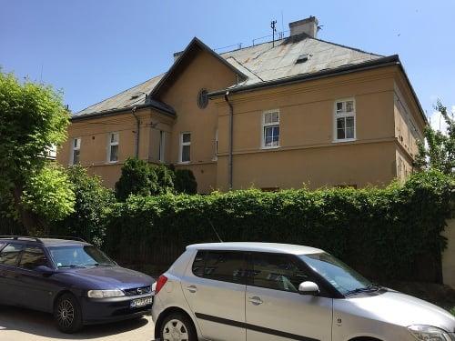 Čekovského dve deti bývajú
