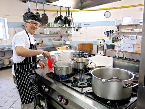 Šéfkuchár Maroš Peťo (45)