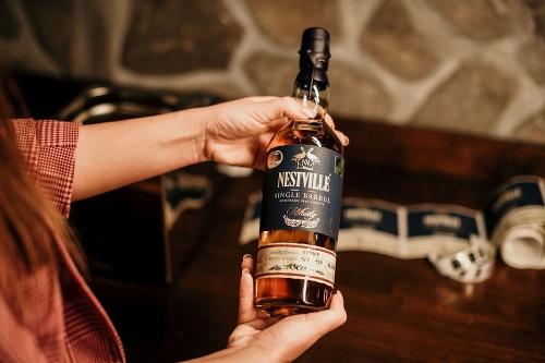 Nestville Park: whisky, pivo