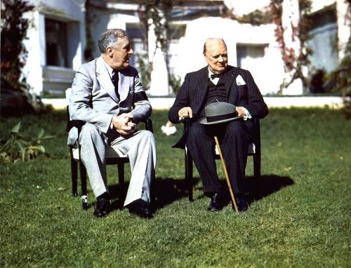 Churchill (vpravo) a Roosevelt