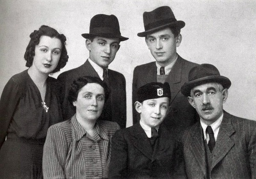 Malý František so súrodencami