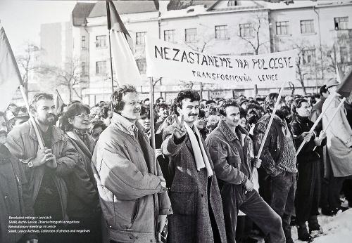November 1989: Ľudia po