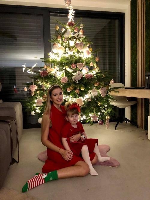 Sestričky počas Vianoc.