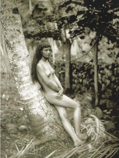 Štefánik na Tahiti fotil