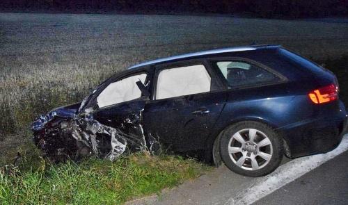 Šofér audi ľahko zranený