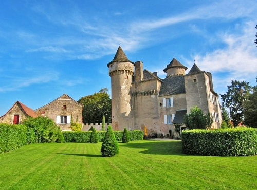 Chateau v dedinke Decazeville,