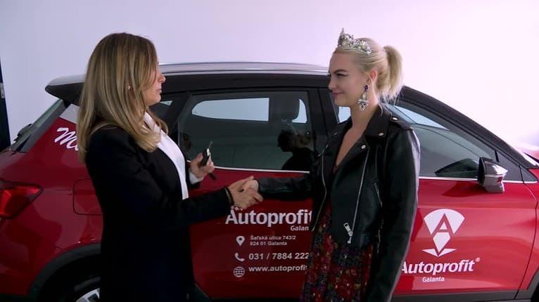 Podľa čoho si vyberajú autá muži a ženy? Najkrajšia Slovenka Veronika jednoznačne potvrdila ten rozdiel!