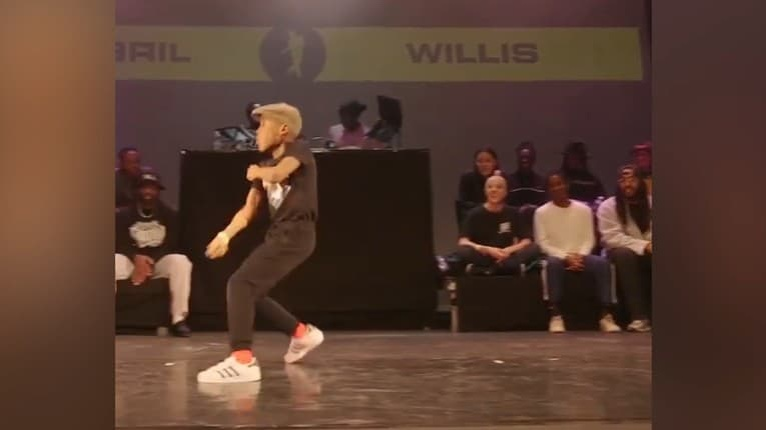 Fenomenálny výkon, mladý tanečník vás pred Silvestrom roztancuje: Toto keď dáte, ste králi!