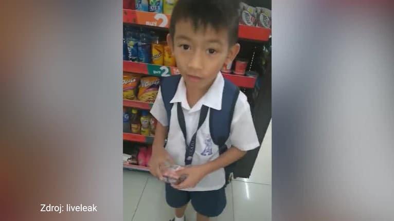 Chlapec takmer vyrobil mega prúser: Učiteľke chcel kúpiť čokoládu, odpadnete, s čím si ju pomýlil