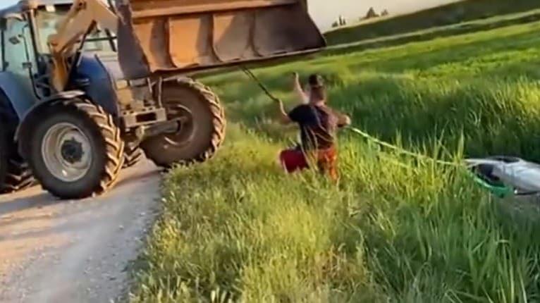 Auto skončilo totálne na šrot, mohli si za to sami: Ako mohla chlapom napadnúť taká blbosť?!