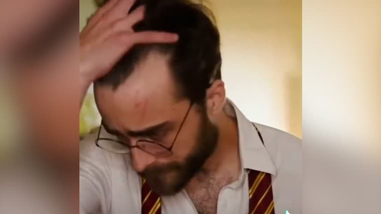 Francúzska verzia Harryho Pottera: Felix svojou podobnosťou s Radcliffom pomiatol ľudí na sociálnych sieťach