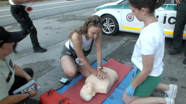 Policajti so zdravotníkmi v Košiciach kontrolovali vedomosti vodičov: Takúto dostali známku za prvú pomoc