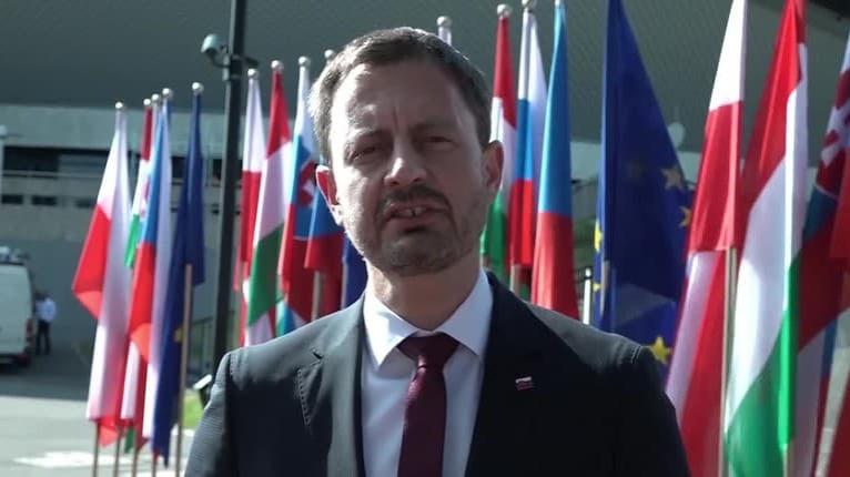 Premiér Heger lobuje za to, aby Matoviča neodvolali: Zatvorte oči a predstavte si toto!
