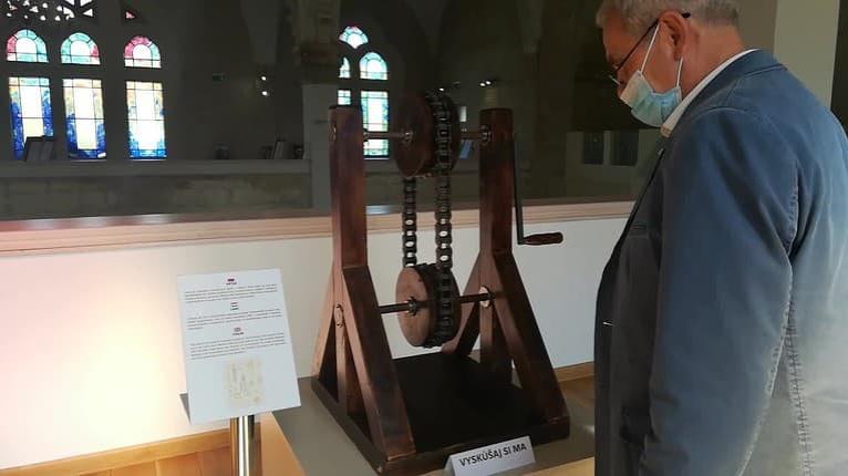 Unikátna výstava geniálneho talianskeho renesančného umelca v Lučenci: Vynálezy Da Vinciho predbehli dobu!