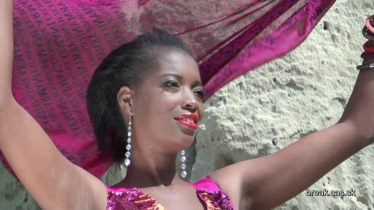 BREAK cover girl: Mara Lukama