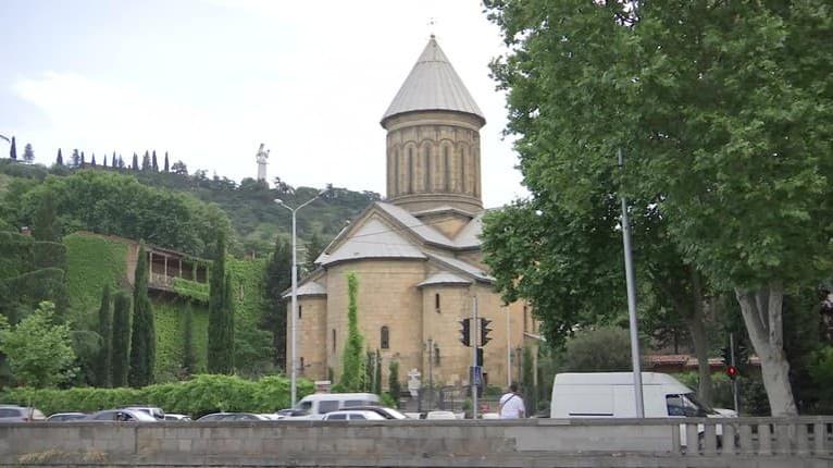 Gruzínsko je krajinou pokladov a tradícií, ktoré by sa páčili aj Slovákom: Správne stolovanie musí mať 33 prípitkov