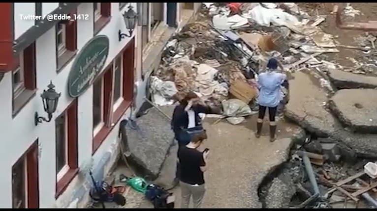 Trapas! Nemecká reportérka pristihnutá pred nakrúcaním reportáže z mesta postihnutého záplavami: Naozaj robila toto?