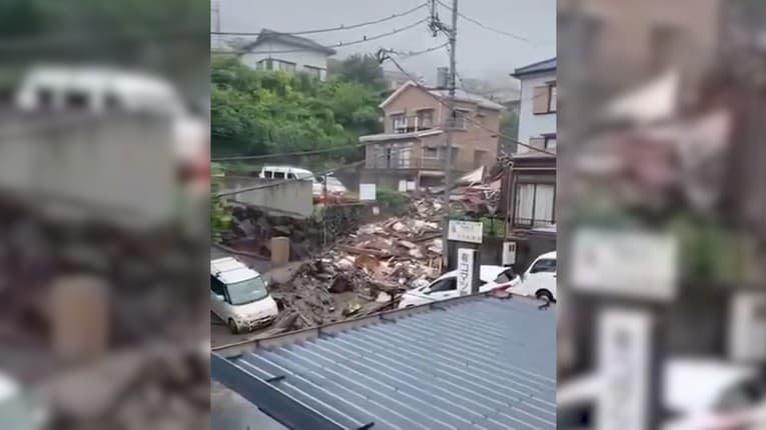 Hrozivé zážitky počas záplav v Japonsku: Vodič unikol prívalovej vlne len tak-tak!