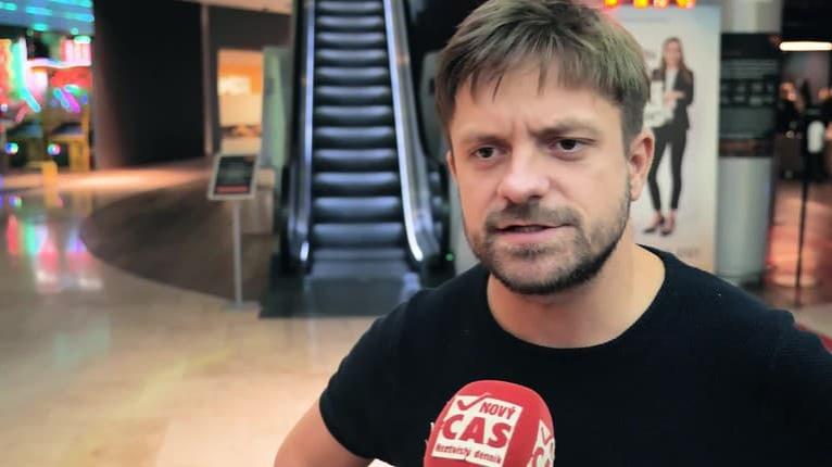 Jirka Mádl ako hlavný hrdina komédie Denník moderného fotra: Čo naňho nabonzoval režisér