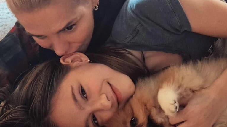 Pyšná mama Dara Rolins: Dcéra Laura prestupuje na medzinárodnú školu