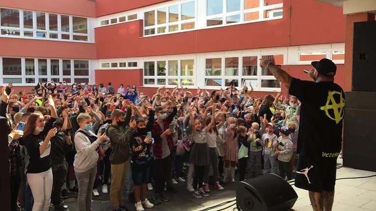 Deti po prázdninách zasadli do lavíc: Žiakov v Hlohovci čakalo poriadne prekvapenie