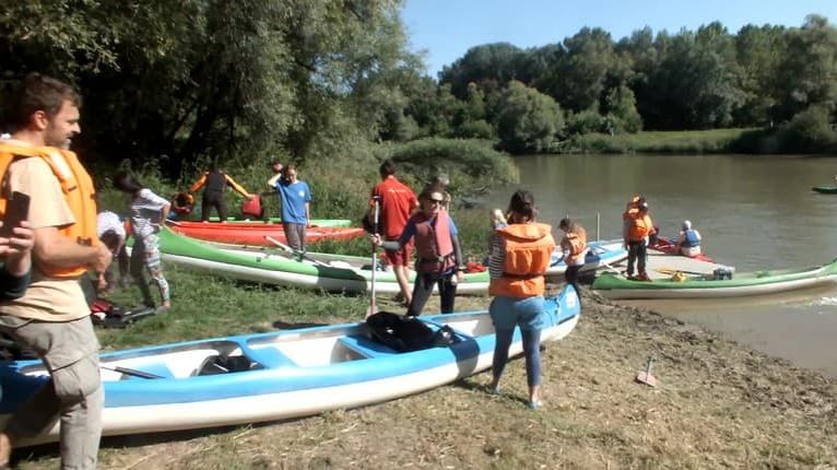 Hladinu a brehy Bodrogu obsadili dobrovoľníci: Našu rieku čistili Maďari aj Srbi