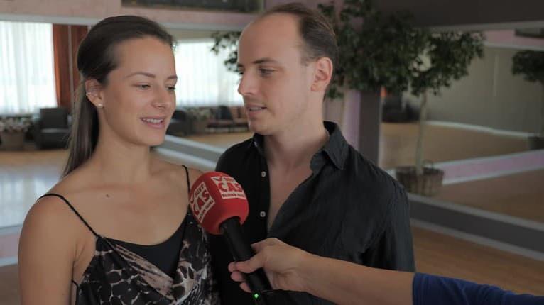 Láska ako z Hriešneho tanca: V škole Petra Modrovského sa dejú veci, tento krásny pár je dôkazom