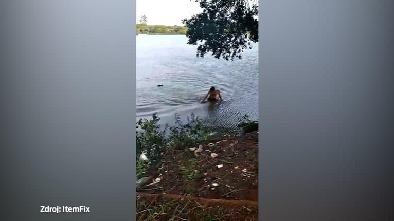 Zbadal ho v poslednej chvíli, začal sa boj o život: Na muža v Brazílii zaútočil aligátor